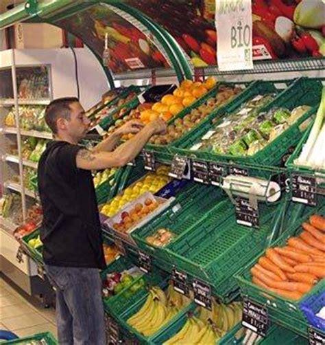 chambre froide restaurant mise en rayon des fruits et légumes