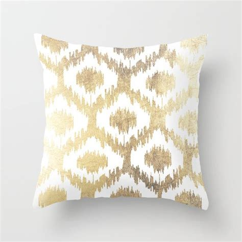 white and gold decorative pillows 25 best ideas about pink throw pillows on 1736