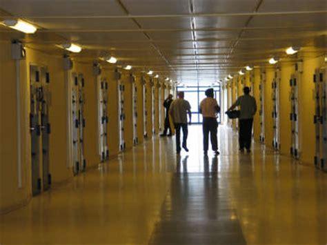 justice portail une journe type en prison