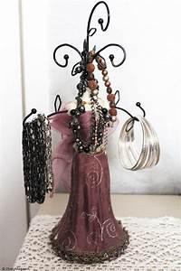Porte Bijoux Mannequin : comment ranger ses bijoux ~ Teatrodelosmanantiales.com Idées de Décoration