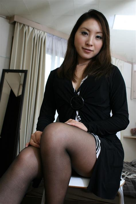 Japanese Milf In Sexy Pantyhose Opening Her Creamy Thighs