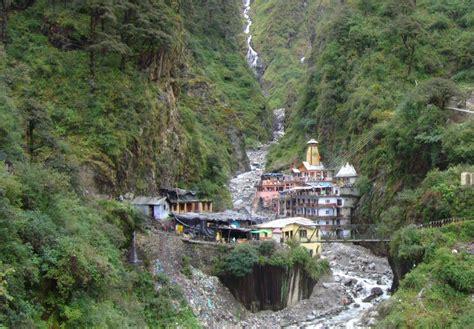 Yamunotri Temple - Image Credit @ Wikimedia Commons ...