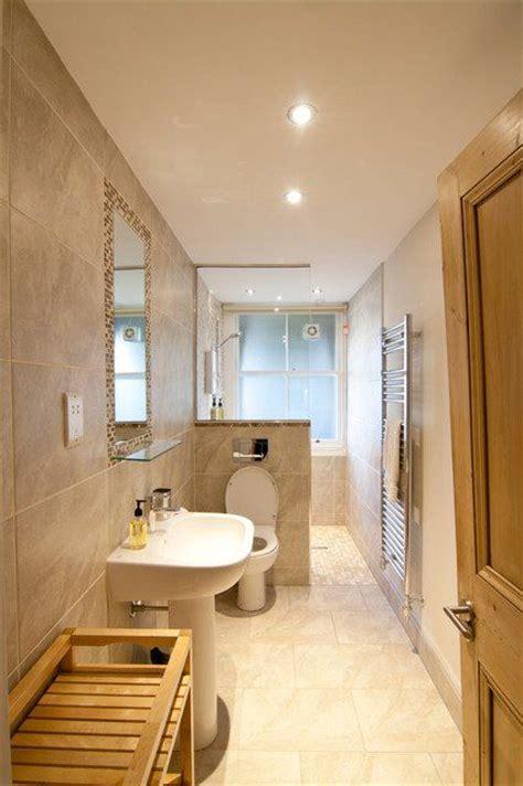Narrow Bathroom Design by Best 25 Narrow Bathroom Ideas On Narrow