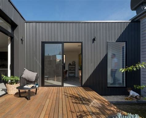 living pod creates  central courtyard   brunswick home