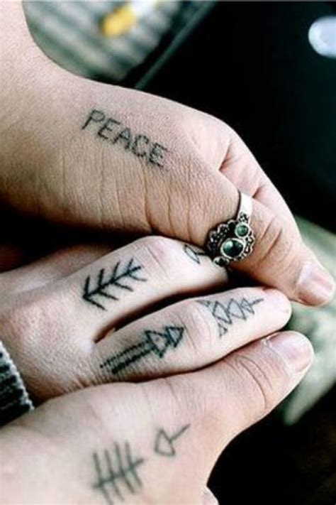 60 Best Finger Tattoos – Meanings, Ideas and Designs for 2016