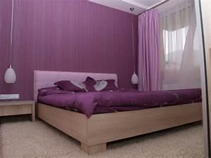 30 interessante vorschlage fur tapeten im schlafzimmer With markise balkon mit tapeten in lila