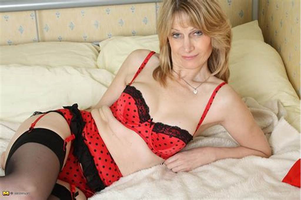 #Horny #European #Milf #Showing #Her #Stuff