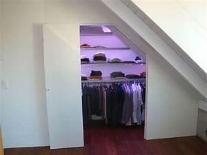 Begehbarer Kleiderschrank Selber Bauen Dachschräge : begehbarer kleiderschrank in dachschr ge schlafzimmer ~ Watch28wear.com Haus und Dekorationen