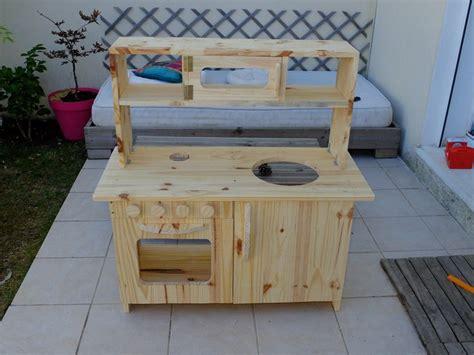 fabriquer cuisine en bois jouet meuble cuisine pour enfants diy gaelle