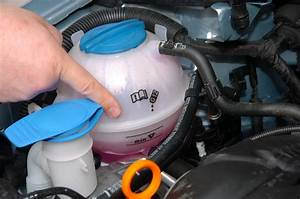 Liquide De Frein Voiture : voiture et d part en vacances 8 points v rifier avant de partir photo 5 l 39 argus ~ Medecine-chirurgie-esthetiques.com Avis de Voitures