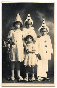 photo children in pierrot costumes the graphics