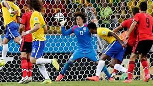 Mexico's Goal Keeper Ochoa 6/17 World Cup Match - H 2014 ...