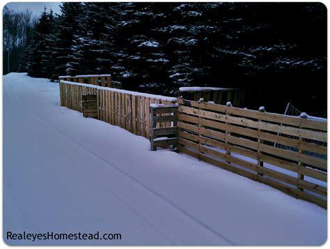 cool  easy diy pallet fences  build  shelterness