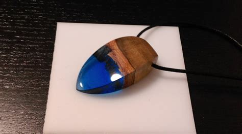 experiment project wood resin pendant  yens