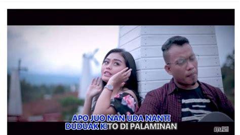 Andra respati feat elsa pitaloka full album ~ lagu minang terbaru 2019 terpopuler saat ini. Sadatak Jantuang Sadanyuik Nadi, Download Lagu Minang Andra Respati Eno Viola Cinto Satu Hati ...