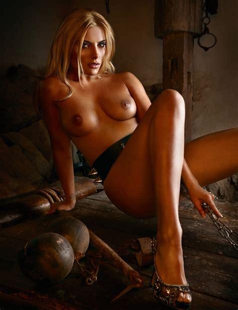 Sophia Thomalla Nude And Sexy Collection Photos The