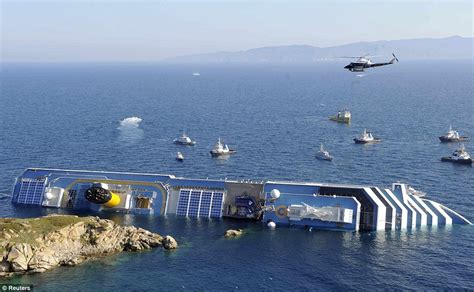 Costa Concordia Accident Pictures Of Cruise Ship Sinking ...