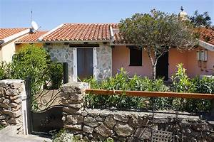Haus Sardinien Kaufen : sardinien ferienhaus direkt an strand und meer case tavolara 10 m von strand meer ~ Frokenaadalensverden.com Haus und Dekorationen