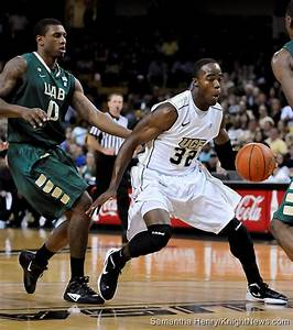 Photos: UCF Men's Basketball vs UAB | KnightNews.com | Page 29