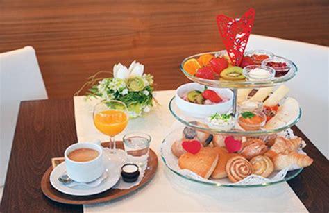 Etagèrefrühstück Bis 1700 Uhr Hausgemachte Croissants