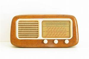 Poste Radio Vintage : poste radio vintage phonola ~ Teatrodelosmanantiales.com Idées de Décoration