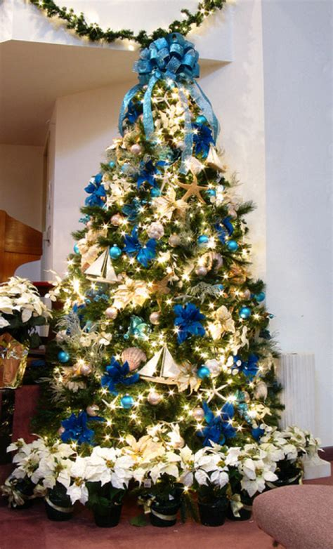christmas tree ideas 19 christmas tree themes c r a f t
