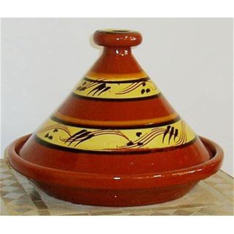 cuisiner avec un tajine en terre cuite tajine marocaine en terre cuite tout l 39 électro ménager