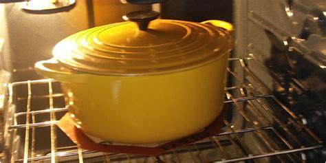 cuisiner avec une cocotte en fonte cocotte pour four la meilleur cocotte allant au four
