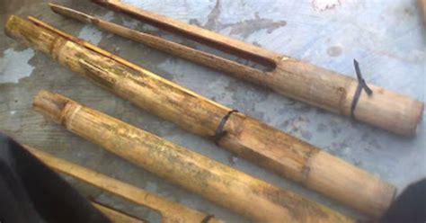 Tenun merupakan alat musik tradisional yang terbuat dari kayu dan berbentuk segitiga. Alat Musik Tradisional Provinsi Sulawesi Barat - Tentang Provinsi