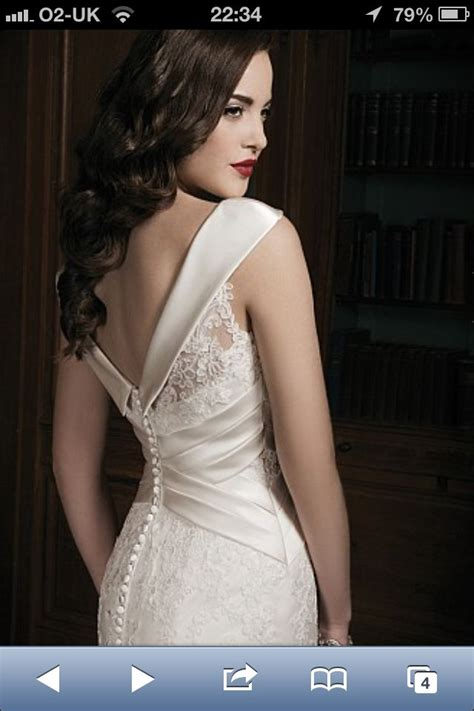 Lace and silk wedding dress from back | Wedding dresses ...