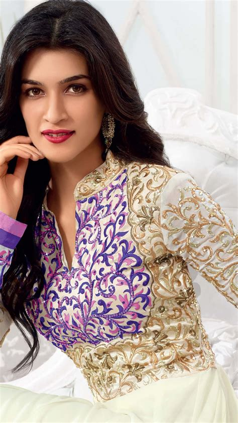 wallpaper kriti sanon beauty bollywood  celebrities