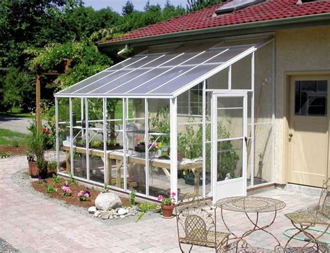 A Primer On Buying A Hobby Greenhouse