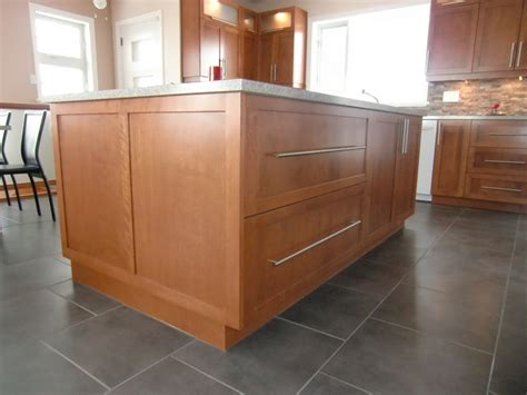 cuisine sur 2 ilot armoire cuisine contemporaine shaker en merisier