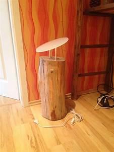 Lampe Aus Baumstamm : die besten 25 holzlampe ideen auf pinterest diy holz holz drechseln und rustikale leuchten ~ Sanjose-hotels-ca.com Haus und Dekorationen