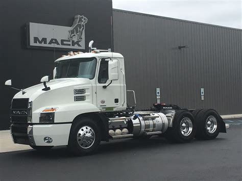 mack volvo trucks new 2019 mack an64t tandem axle daycab for sale 7451