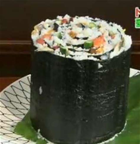 ridiculously large rolls giant sushi