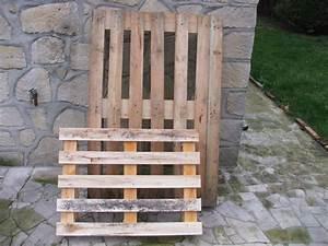 emejing table de jardin en bois solide gallery awesome With superior maison en tronc d arbre 1 construire une table de jardin en bois de palette sur