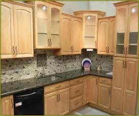 kitchen cabinets backsplash kitchen backsplash ideas with maple cabinets home design ideas