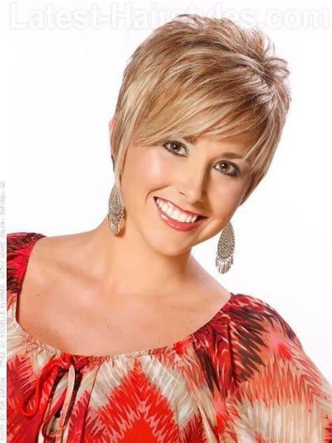 absolutely perfect short hairstyles  older women