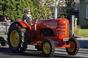 1942 MASSEY HARRIS 101 Tractor.   The 26th Annual Crankup ...