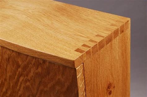 Building Quality Dovetail Joints For A Chest Of Drawers