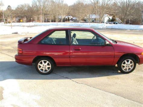 Buy Used 1995 Ford Escort Lx Sport Hatchback 2door 19l