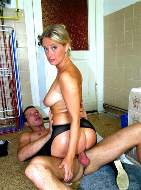 Sex With Hot Amateur Milf In Tights On The Floor 22