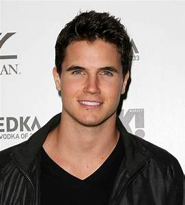 Robbie Amell - His Religion, Hobbies, and Political Views