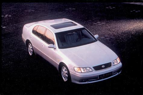 how does cars work 1996 lexus gs security system 1993 1996 lexus gs 300 holding down the middle autopolis