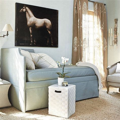 couch  day bed    night hidden trundle