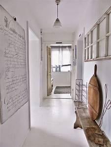 die besten 17 ideen zu schmaler eingangsbereich auf With markise balkon mit tapeten für diele und flur