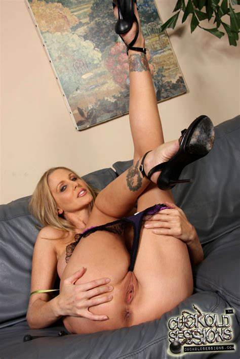 Cuckold Sessions Julia Ann Absolute Shaved Pussy Nudity