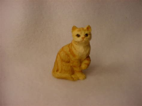red shorthair kitty tiny cat figurine miniature