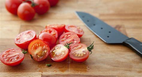 cuisiner les tomates pizza salade astuces pour cuisiner les tomates